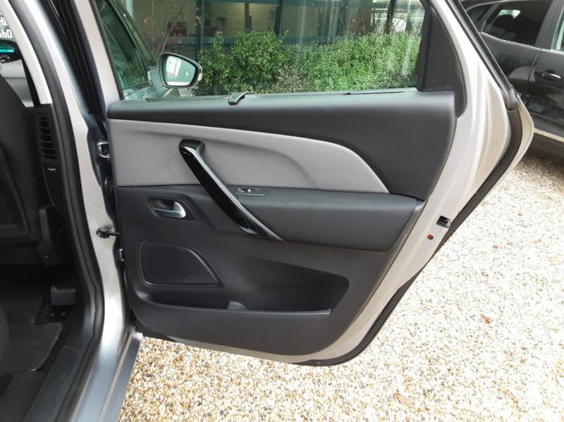 Photo 25 de l'offre de CITROEN C4 PICASSO C4 Picasso BlueHDi 120 SetS Feel à 14990€ chez Centrale Auto Marché Mussidan