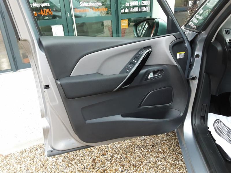 Photo 17 de l'offre de CITROEN C4 PICASSO C4 Picasso BlueHDi 120 SetS Feel à 14990€ chez Centrale Auto Marché Mussidan