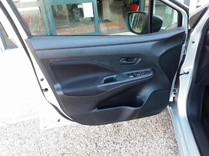 Photo 18 de l'offre de NISSAN MICRA 1.0 - 71 Visia Pack à 10490€ chez Centrale Auto Marché Mussidan