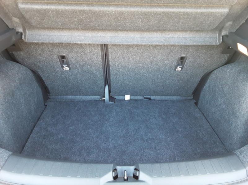Photo 15 de l'offre de NISSAN MICRA 1.0 - 71 Visia Pack à 10490€ chez Centrale Auto Marché Mussidan