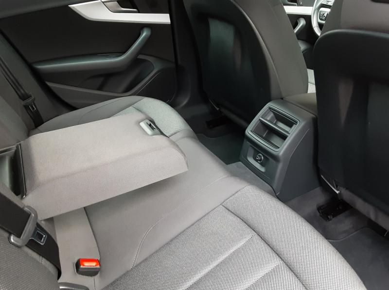 Photo 36 de l'offre de AUDI A4 Avant 2.0 TDI ultra 150 S tronic 7 Business Line à 21900€ chez Centrale Auto Marché Mussidan