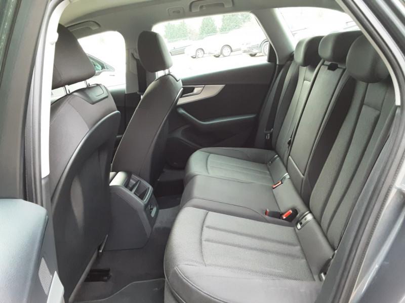 Photo 25 de l'offre de AUDI A4 Avant 2.0 TDI ultra 150 S tronic 7 Business Line à 21900€ chez Centrale Auto Marché Mussidan