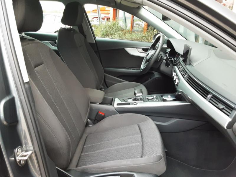 Photo 26 de l'offre de AUDI A4 Avant 2.0 TDI ultra 150 S tronic 7 Business Line à 21900€ chez Centrale Auto Marché Mussidan