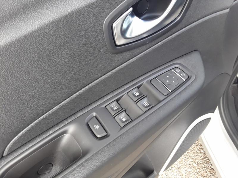 Photo 45 de l'offre de RENAULT CAPTUR TCe 90 E6C Business à 13900€ chez Centrale Auto Marché Mussidan