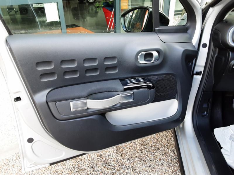 Photo 17 de l'offre de CITROEN C3 BlueHDi 100 SetS Shine Business à 13900€ chez Centrale Auto Marché Mussidan