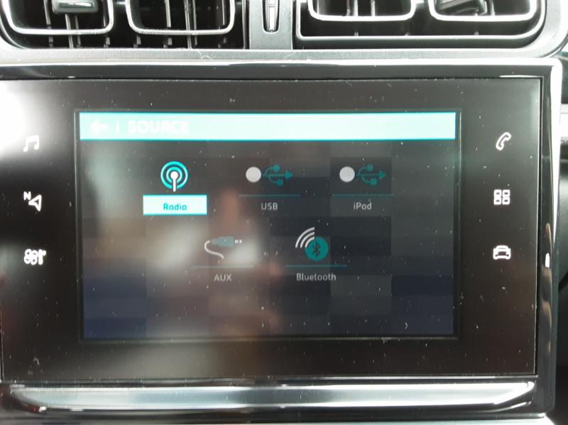 Photo 46 de l'offre de CITROEN C3 BlueHDi 100 SetS Shine Business à 13900€ chez Centrale Auto Marché Mussidan