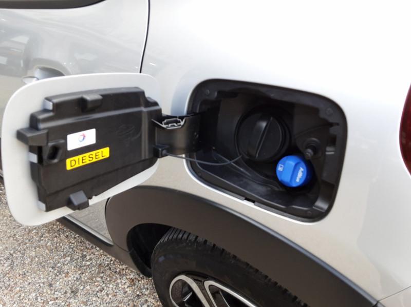 Photo 31 de l'offre de CITROEN C3 BlueHDi 100 SetS Shine Business à 13900€ chez Centrale Auto Marché Mussidan