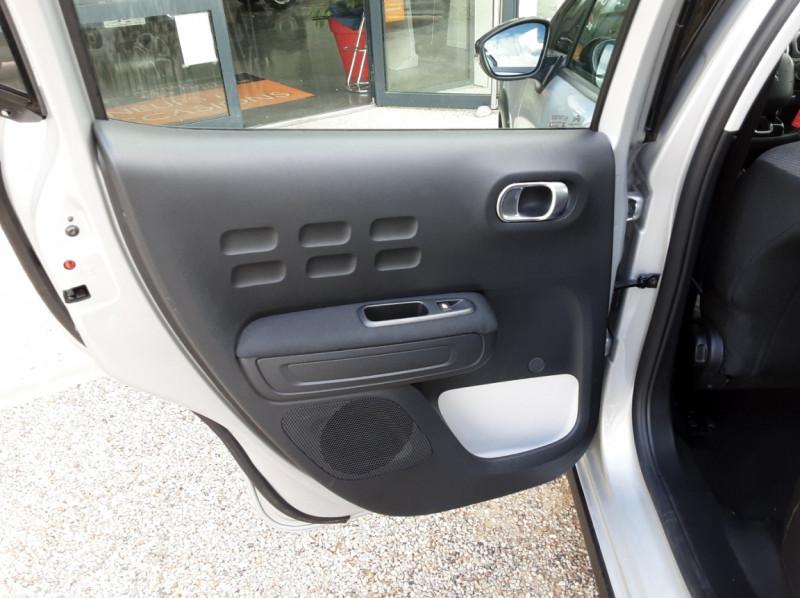 Photo 21 de l'offre de CITROEN C3 BlueHDi 100 SetS Shine Business à 13900€ chez Centrale Auto Marché Mussidan