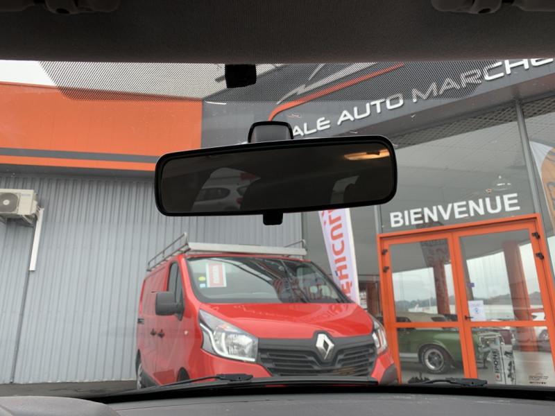 Photo 30 de l'offre de CITROEN C3 SOCIETE BLUEHDI 100 SetS CONFORT à 6990€ chez Centrale Auto Marché Mussidan