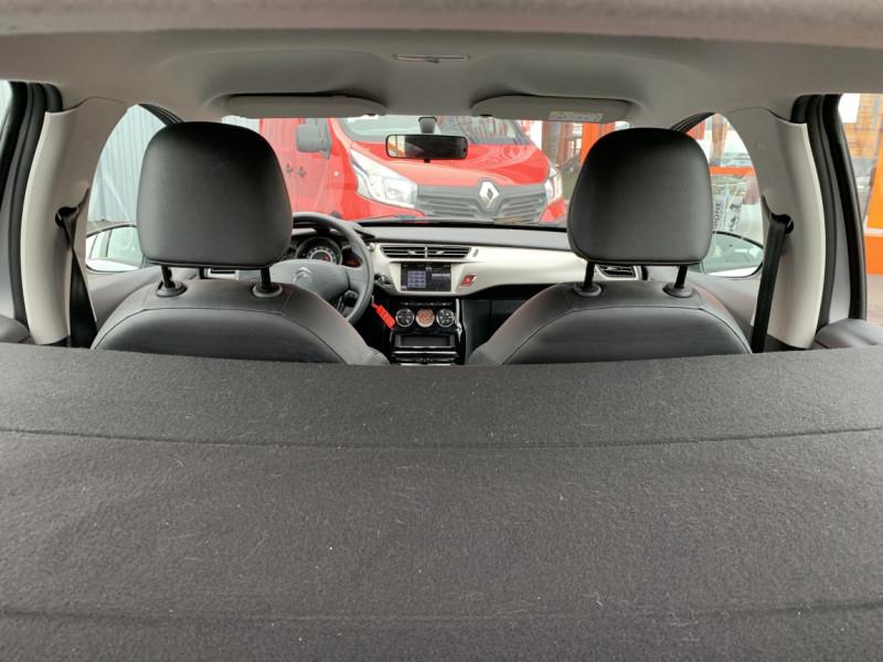 Photo 19 de l'offre de CITROEN C3 SOCIETE BLUEHDI 100 SetS CONFORT à 6990€ chez Centrale Auto Marché Mussidan