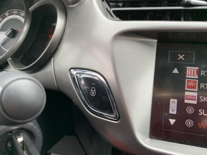 Photo 6 de l'offre de CITROEN C3 SOCIETE BLUEHDI 100 SetS CONFORT à 6990€ chez Centrale Auto Marché Mussidan