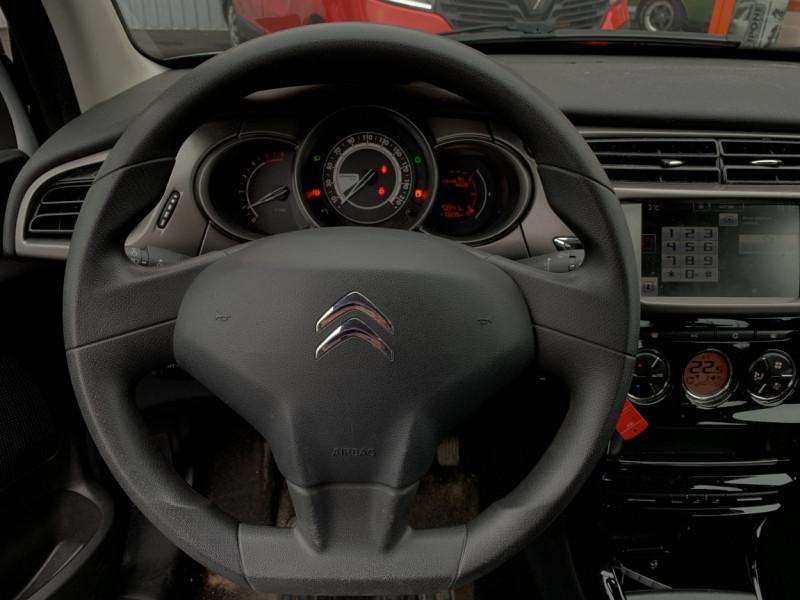 Photo 23 de l'offre de CITROEN C3 SOCIETE BLUEHDI 100 SetS CONFORT à 6990€ chez Centrale Auto Marché Mussidan