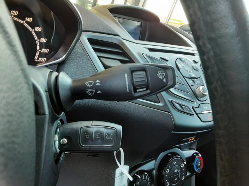 Photo 43 de l'offre de FORD FIESTA 1.25 82 Edition à 9300€ chez Centrale Auto Marché Mussidan