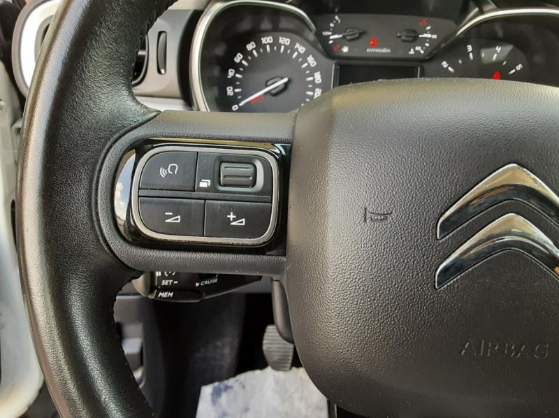Photo 37 de l'offre de CITROEN C3 SOCIETE BLUEHDI 100 SetS FEEL NAV à 8890€ chez Centrale Auto Marché Mussidan