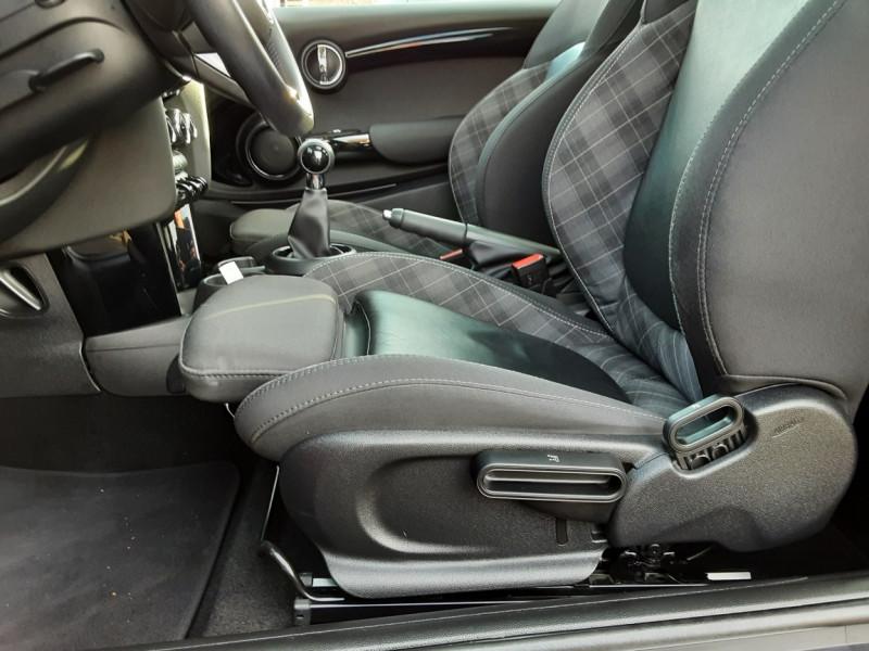 Photo 5 de l'offre de MINI MINI One D 95 ch Edition Blackfriars à 17990€ chez Centrale Auto Marché Mussidan
