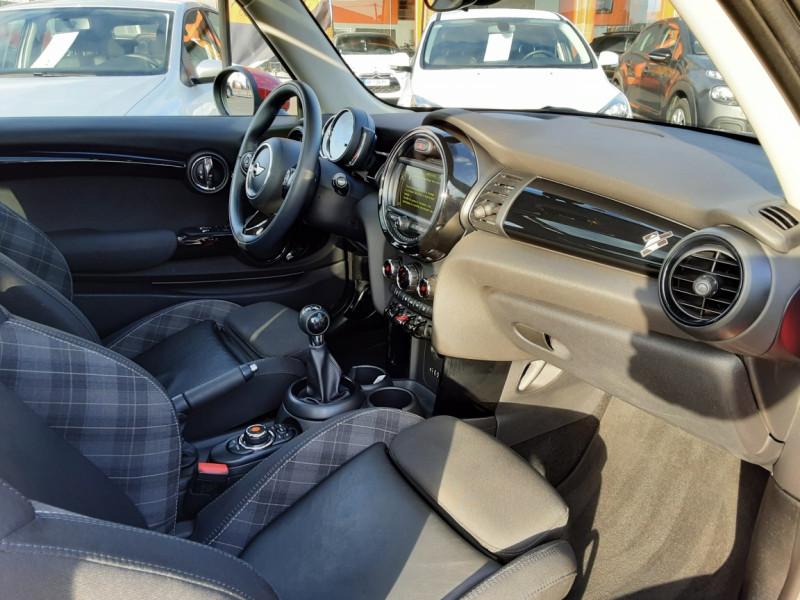 Photo 48 de l'offre de MINI MINI One D 95 ch Edition Blackfriars à 17990€ chez Centrale Auto Marché Mussidan