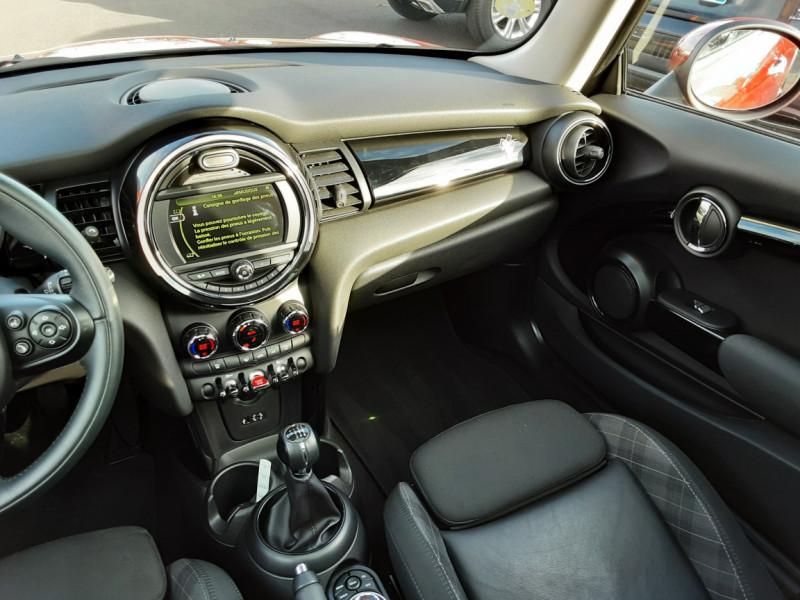 Photo 23 de l'offre de MINI MINI One D 95 ch Edition Blackfriars à 17990€ chez Centrale Auto Marché Mussidan
