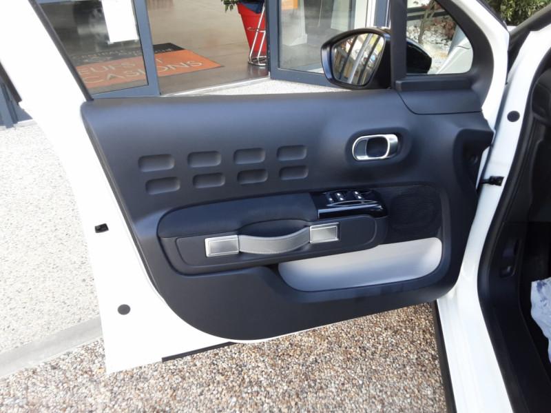 Photo 21 de l'offre de CITROEN C3 SOCIETE BLUEHDI 100 SetS FEEL NAV à 8890€ chez Centrale Auto Marché Mussidan
