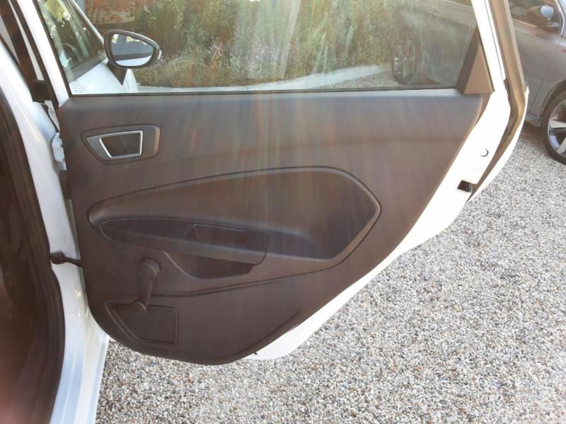 Photo 33 de l'offre de FORD FIESTA 1.25 82 Edition à 9300€ chez Centrale Auto Marché Mussidan