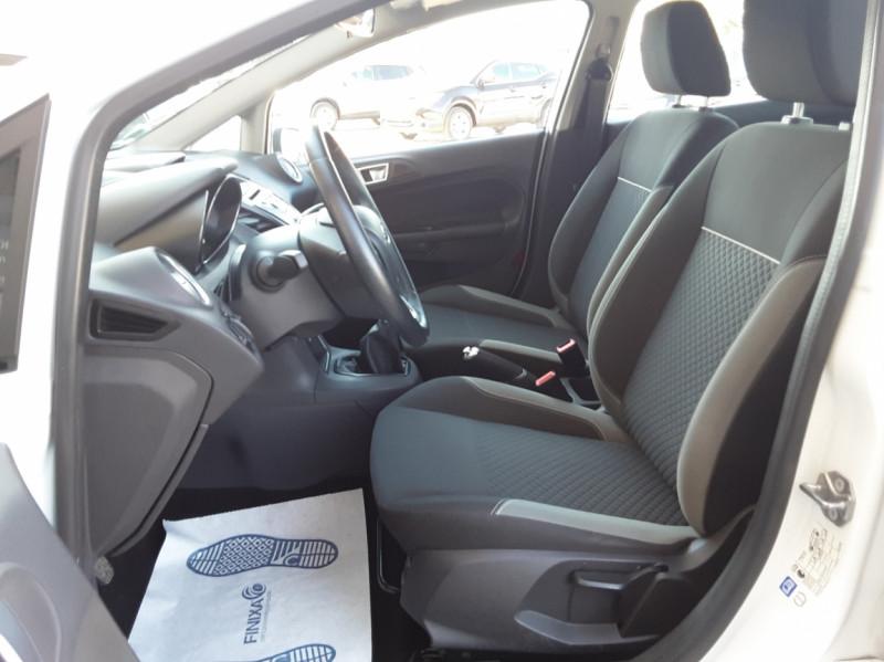 Photo 24 de l'offre de FORD FIESTA 1.25 82 Edition à 9300€ chez Centrale Auto Marché Mussidan