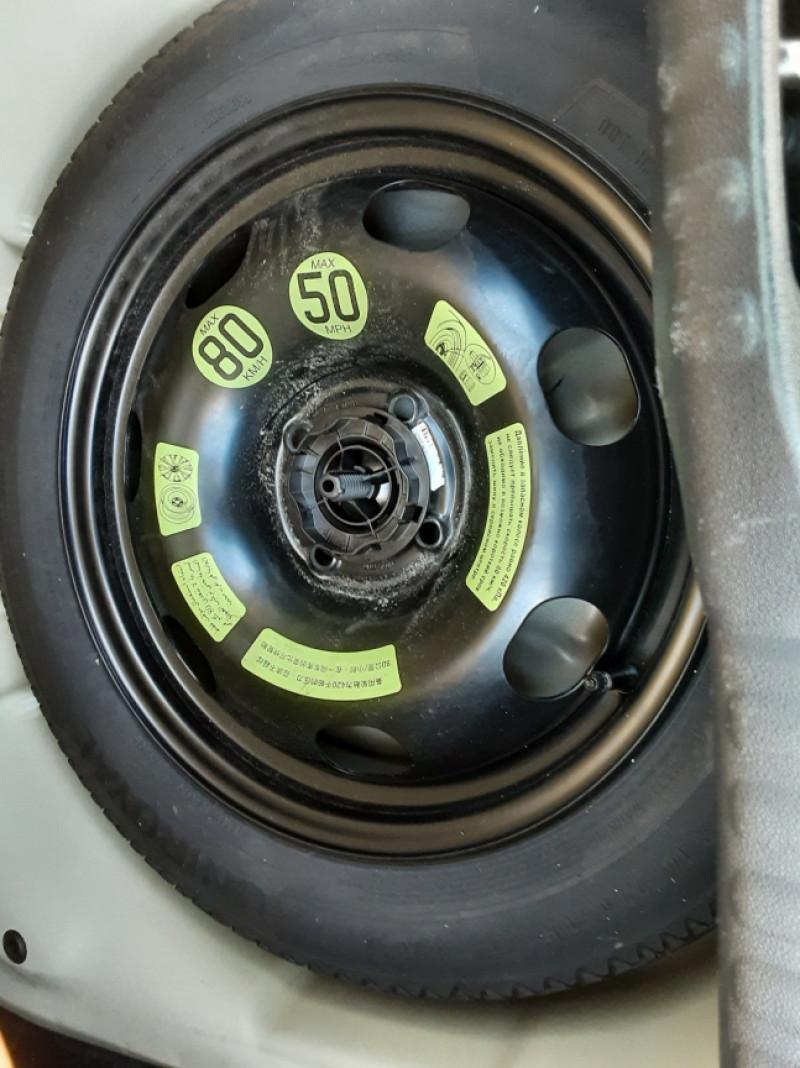 Photo 17 de l'offre de CITROEN C3 SOCIETE BLUEHDI 100 SetS FEEL NAV à 8890€ chez Centrale Auto Marché Mussidan