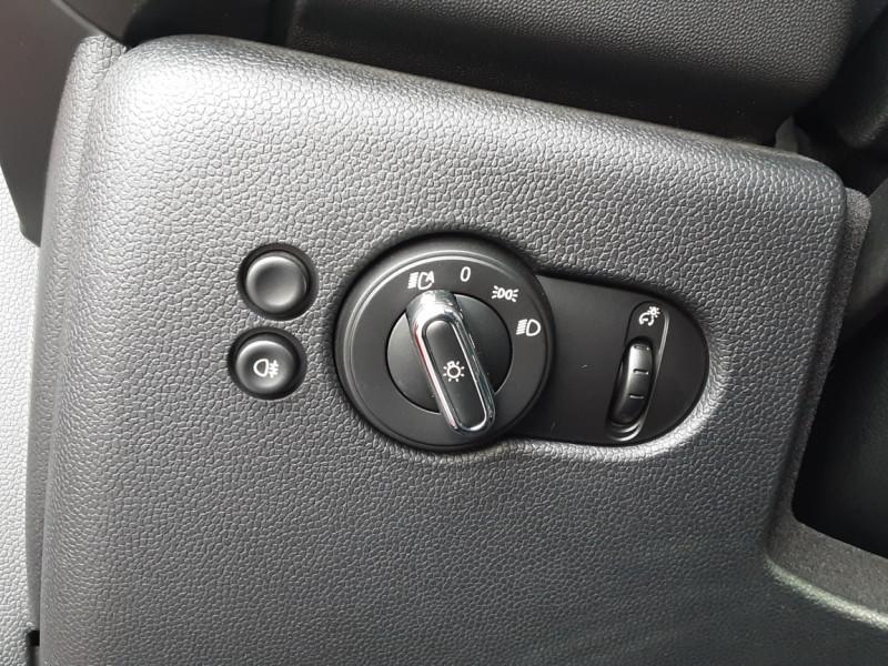 Photo 43 de l'offre de MINI MINI One D 95 ch Edition Blackfriars à 17990€ chez Centrale Auto Marché Mussidan