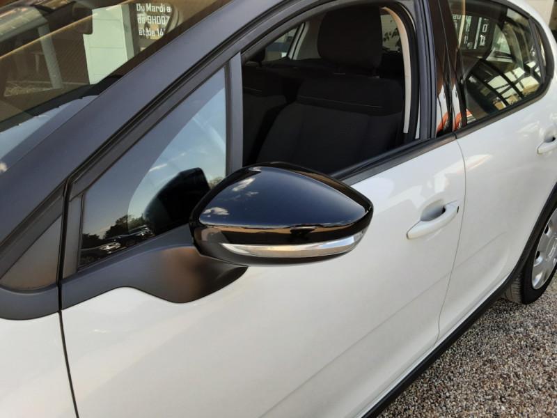 Photo 6 de l'offre de CITROEN C3 SOCIETE BLUEHDI 100 SetS FEEL NAV à 8890€ chez Centrale Auto Marché Mussidan