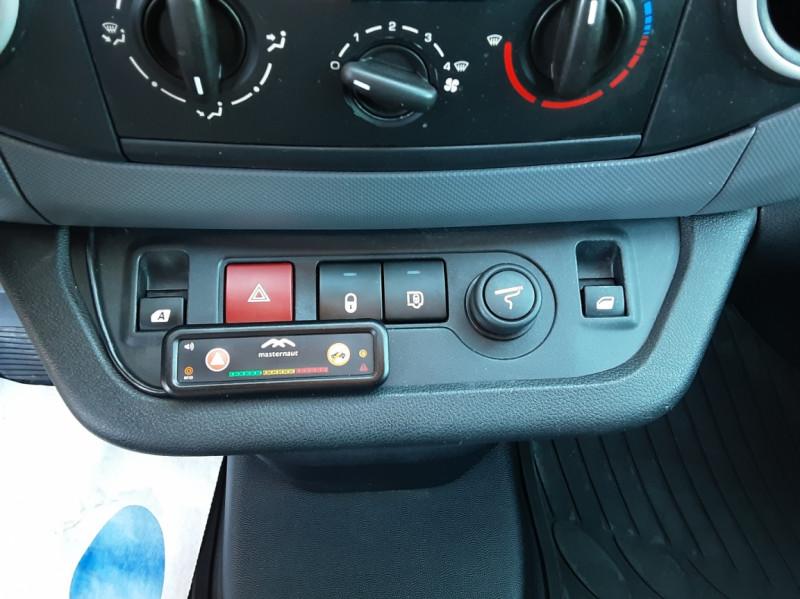 Photo 48 de l'offre de CITROEN BERLINGO 20 L1 e-HDi 90 CLUB ETG6 à 9800€ chez Centrale Auto Marché Mussidan