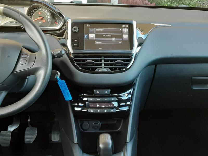 Photo 36 de l'offre de PEUGEOT 208 AFFAIRE 1.6 E-HDi 92 FAP BVM5 PACK CLIM CONFORT à 5990€ chez Centrale Auto Marché Mussidan