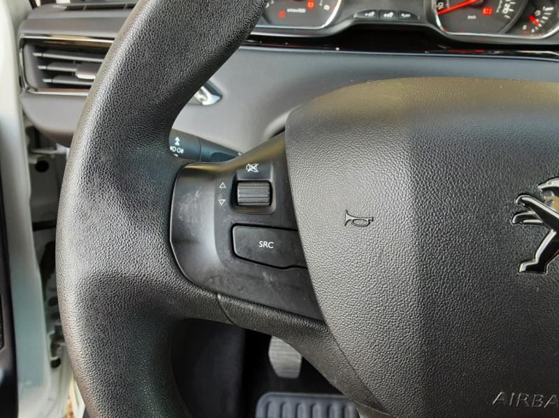 Photo 45 de l'offre de PEUGEOT 208 AFFAIRE 1.6 E-HDi 92 FAP BVM5 PACK CLIM CONFORT à 5990€ chez Centrale Auto Marché Mussidan