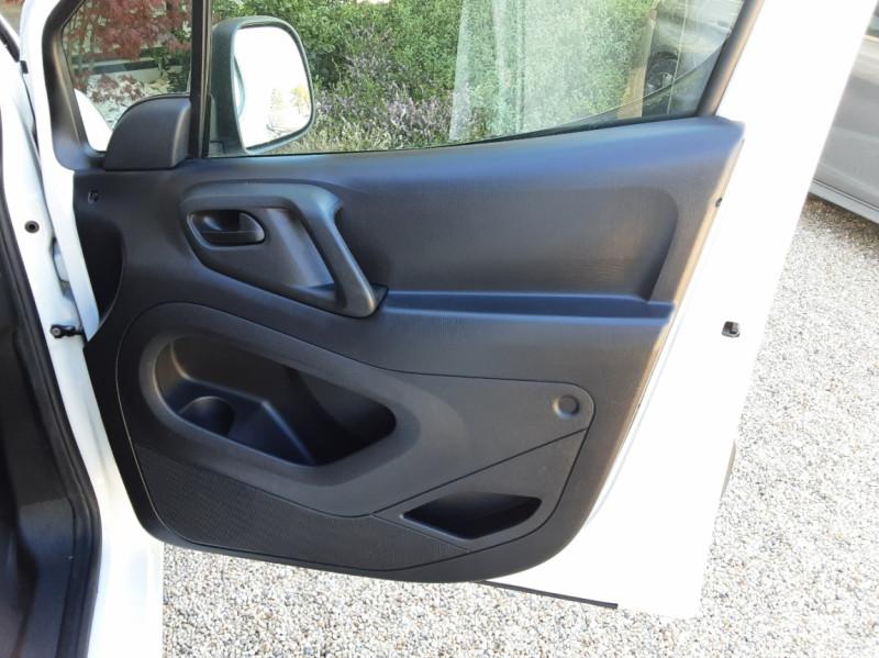 Photo 25 de l'offre de CITROEN BERLINGO 20 L1 e-HDi 90 CLUB ETG6 à 9800€ chez Centrale Auto Marché Mussidan