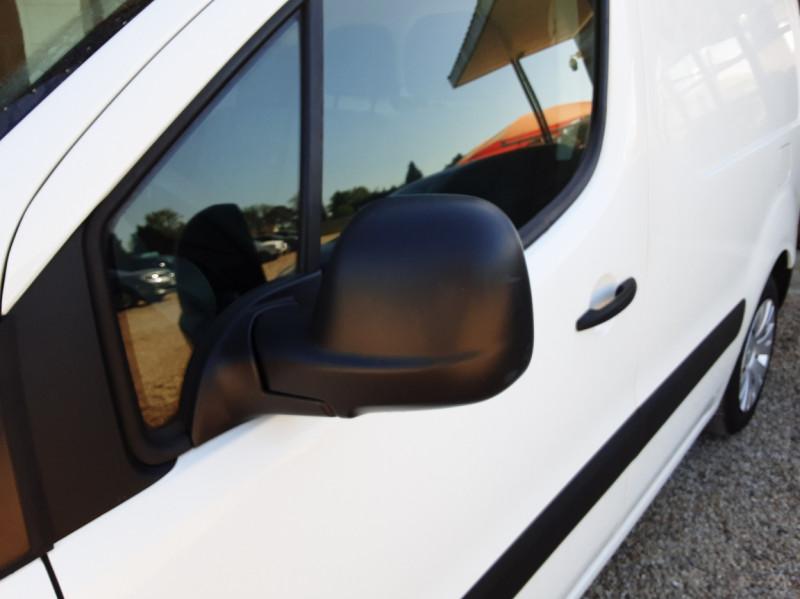 Photo 18 de l'offre de CITROEN BERLINGO 20 L1 e-HDi 90 CLUB ETG6 à 9800€ chez Centrale Auto Marché Mussidan