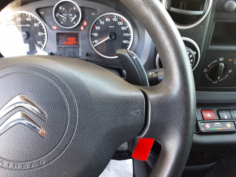 Photo 41 de l'offre de CITROEN BERLINGO 20 L1 e-HDi 90 CLUB ETG6 à 9800€ chez Centrale Auto Marché Mussidan