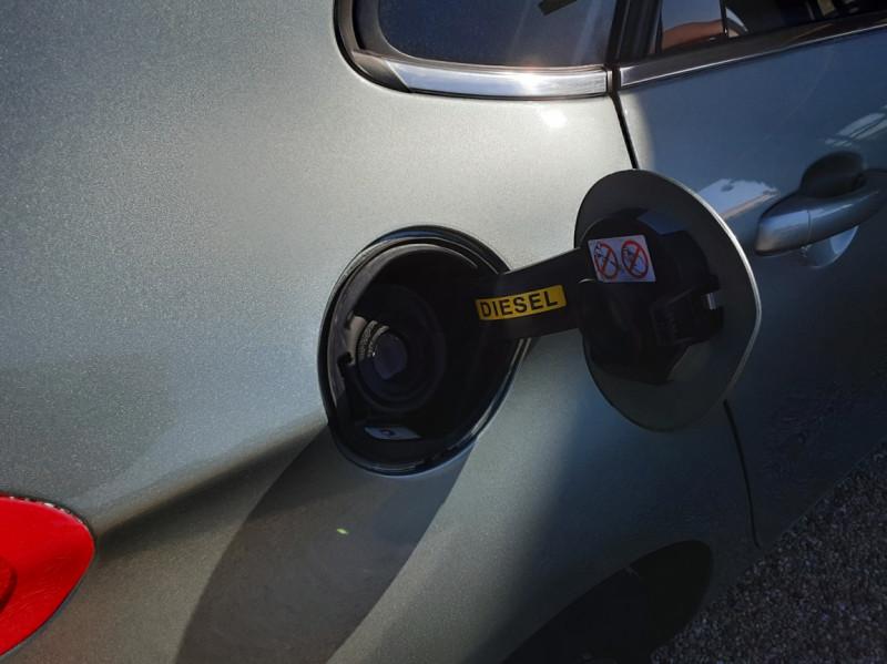 Photo 28 de l'offre de CITROEN C4 C4 e-HDi 115 Business ETG6 à 7290€ chez Centrale Auto Marché Mussidan