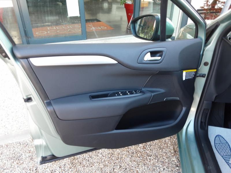 Photo 16 de l'offre de CITROEN C4 C4 e-HDi 115 Business ETG6 à 7290€ chez Centrale Auto Marché Mussidan
