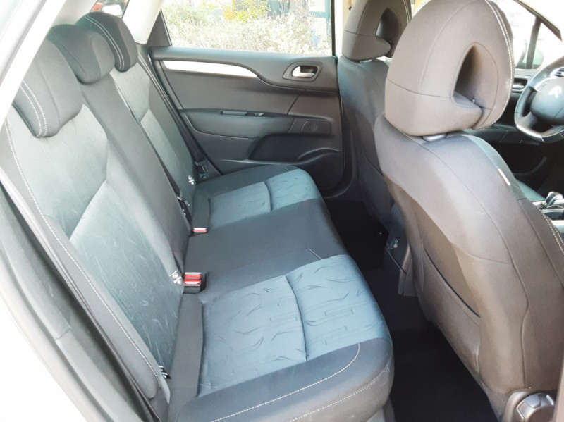 Photo 24 de l'offre de CITROEN C4 C4 e-HDi 115 Business ETG6 à 7290€ chez Centrale Auto Marché Mussidan
