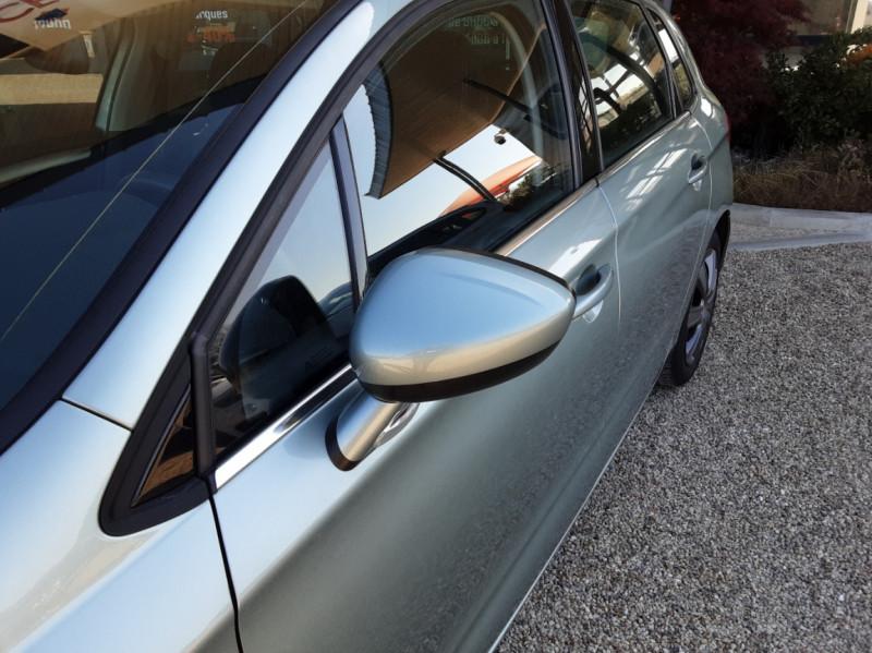 Photo 8 de l'offre de CITROEN C4 C4 e-HDi 115 Business ETG6 à 7290€ chez Centrale Auto Marché Mussidan