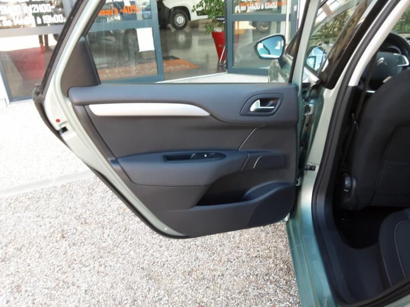 Photo 15 de l'offre de CITROEN C4 C4 e-HDi 115 Business ETG6 à 7290€ chez Centrale Auto Marché Mussidan