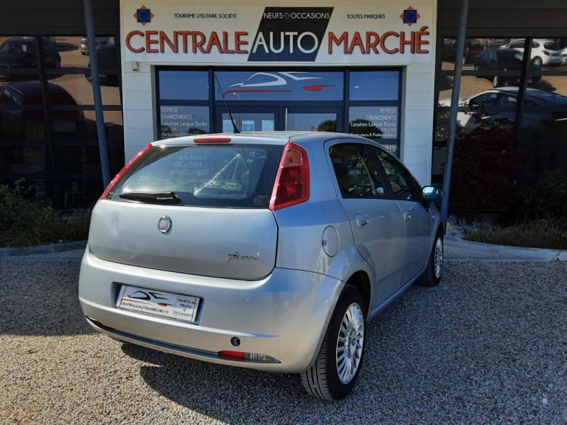 Photo 13 de l'offre de FIAT DYNAMIC MJT 75 5P Grande Punto 1.3 Multijet 16V 75 Team à 3900€ chez Centrale Auto Marché Mussidan