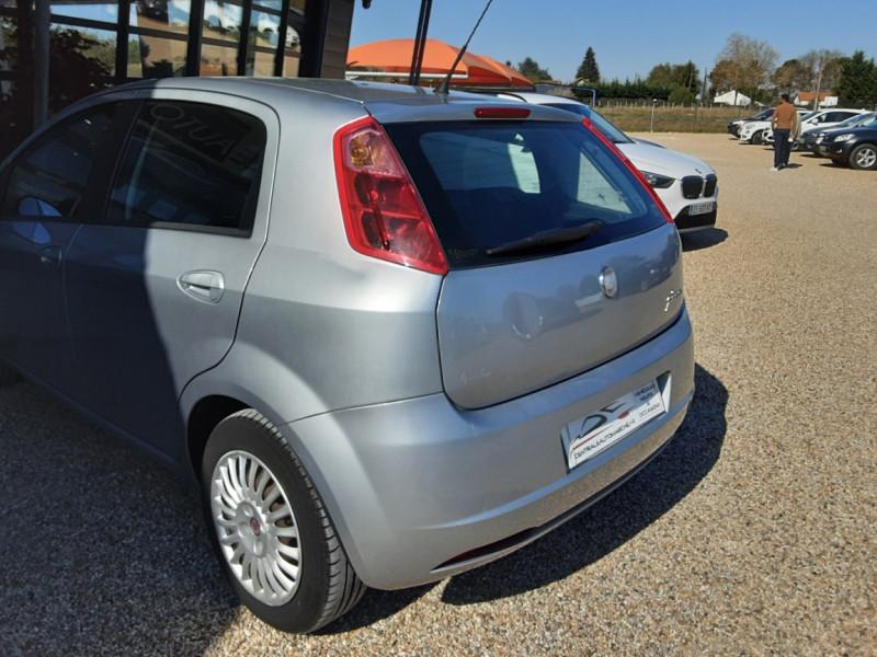 Photo 22 de l'offre de FIAT DYNAMIC MJT 75 5P Grande Punto 1.3 Multijet 16V 75 Team à 3900€ chez Centrale Auto Marché Mussidan