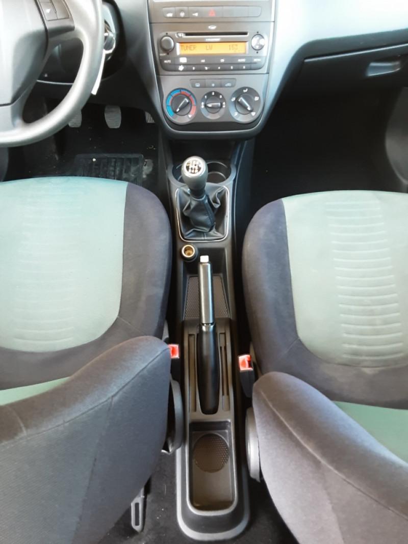 Photo 43 de l'offre de FIAT DYNAMIC MJT 75 5P Grande Punto 1.3 Multijet 16V 75 Team à 3900€ chez Centrale Auto Marché Mussidan