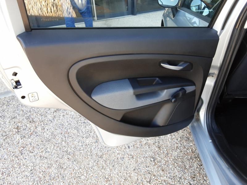 Photo 24 de l'offre de FIAT DYNAMIC MJT 75 5P Grande Punto 1.3 Multijet 16V 75 Team à 3900€ chez Centrale Auto Marché Mussidan