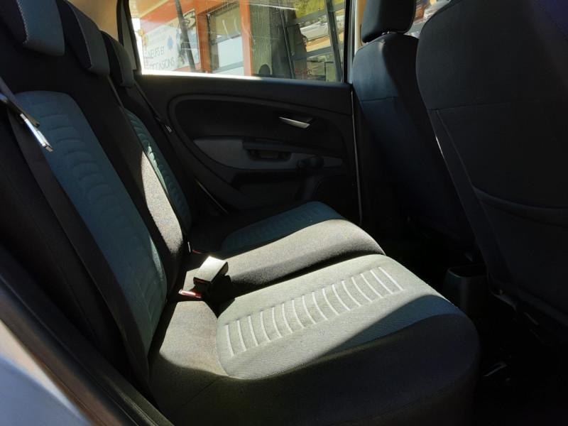 Photo 34 de l'offre de FIAT DYNAMIC MJT 75 5P Grande Punto 1.3 Multijet 16V 75 Team à 3900€ chez Centrale Auto Marché Mussidan