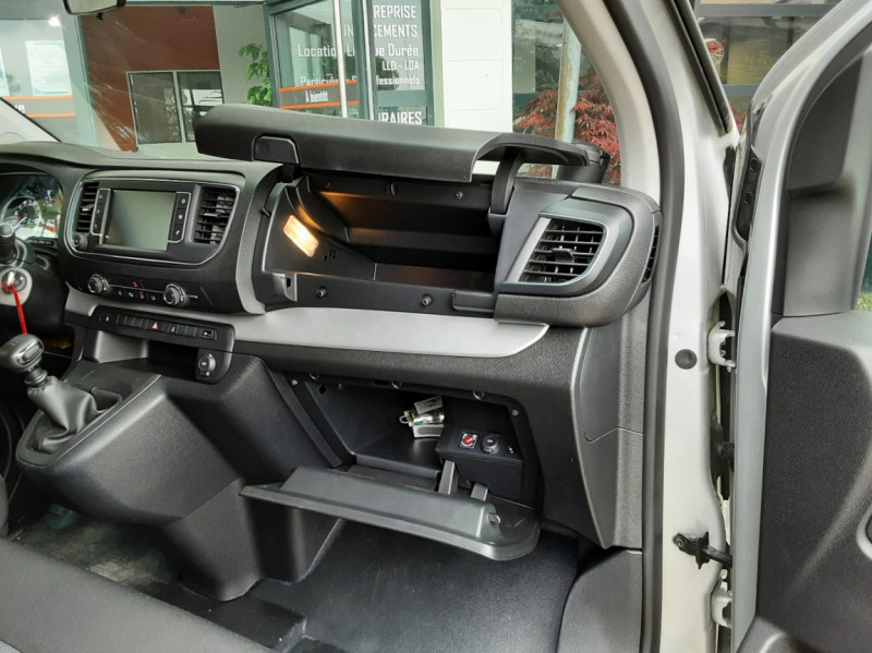 Photo 41 de l'offre de CITROEN SPACE TOURER XL BlueHDi 115 SetS BVM6 Business à 26490€ chez Centrale Auto Marché Mussidan