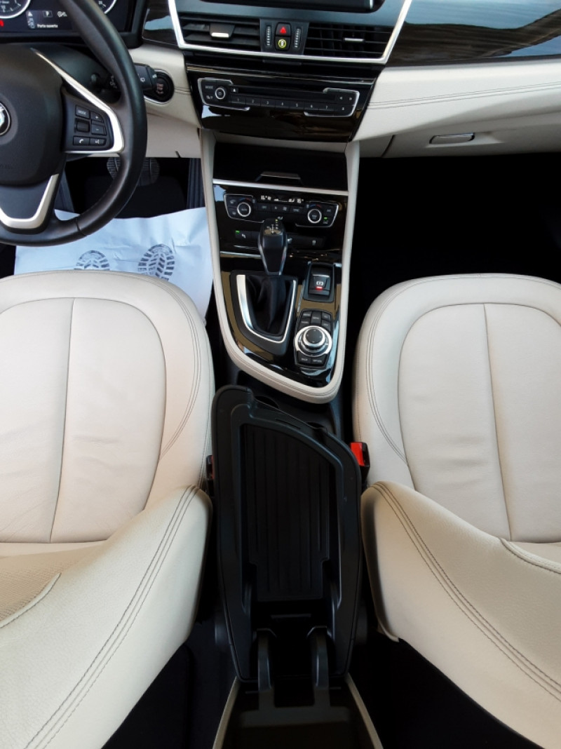 Photo 45 de l'offre de BMW SERIE 2 Active Tourer 218d 150 ch Luxury A à 17900€ chez Centrale Auto Marché Mussidan