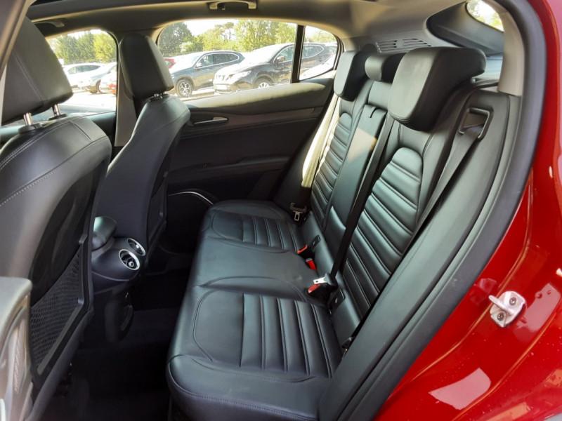 Photo 24 de l'offre de ALFA ROMEO STELVIO 2.2 210 ch Q4 AT8 Lusso à 28900€ chez Centrale Auto Marché Mussidan