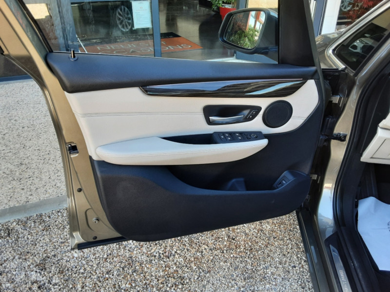 Photo 22 de l'offre de BMW SERIE 2 Active Tourer 218d 150 ch Luxury A à 17900€ chez Centrale Auto Marché Mussidan