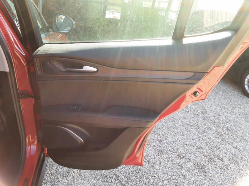 Photo 32 de l'offre de ALFA ROMEO STELVIO 2.2 210 ch Q4 AT8 Lusso à 28900€ chez Centrale Auto Marché Mussidan