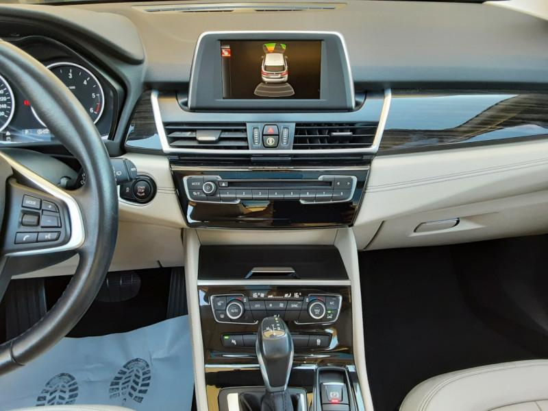 Photo 27 de l'offre de BMW SERIE 2 Active Tourer 218d 150 ch Luxury A à 17900€ chez Centrale Auto Marché Mussidan