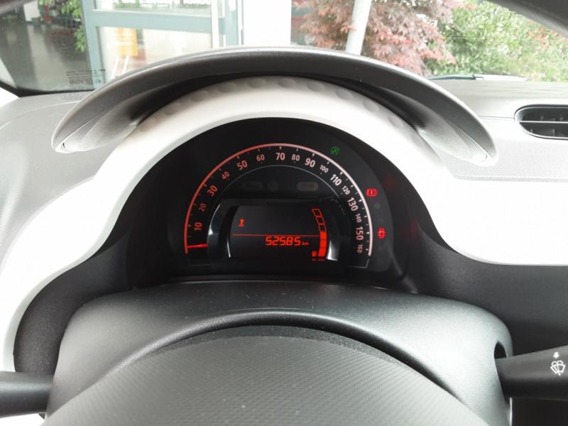 Photo 35 de l'offre de RENAULT TWINGO III 1.0 SCe 70 eco2 SetS Zen à 8500€ chez Centrale Auto Marché Mussidan